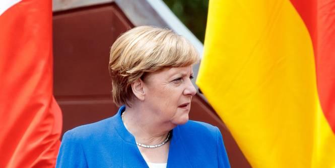 Foot - Euro - Angela Merkel est «très préoccupée» par la foule pour les phases finales à Londres