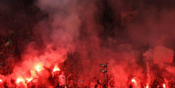 Foot - Supporters - Feu vert aux fumigènes sous contrôle pour le match de Ligue2 Toulouse-Grenoble